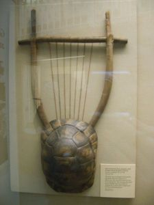 An-ancient-Greek-lyre-2
