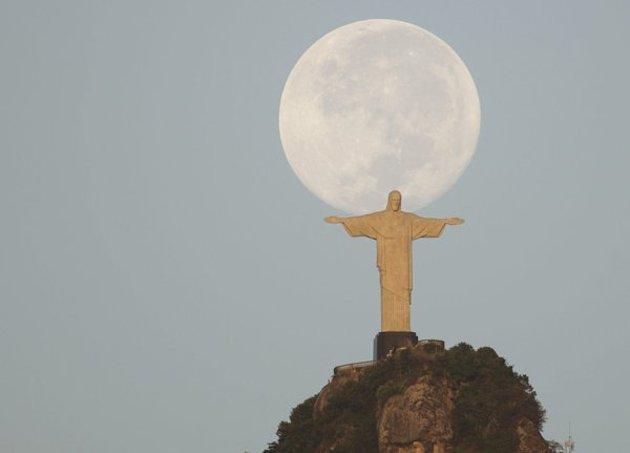 2012-03-09T155048Z-01-RJO101-RTRIDSP-3-BRAZIL-jpg_134703